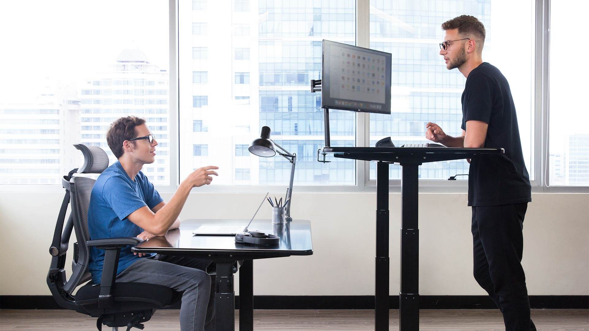 SmartDesk - Height-Adjustable Standing Desk